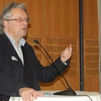 """10. Armutskonferenz: """"Prekarität frisst sich vom Rand in die Mitte"""""""