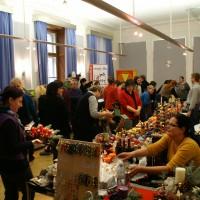 Soziale Unternehmen zeigen ihre Produkte am Weihnachtsmarkt des BMASK