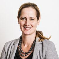 Portraitfoto von Sabine Rehbichler, Geschäftsführerin arbeit plus